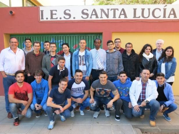 ALUMNADO-IES-SANTA-LUCIA-VIAJAN-A-ITALIA-ERASMUS-PLUS-01-622x466